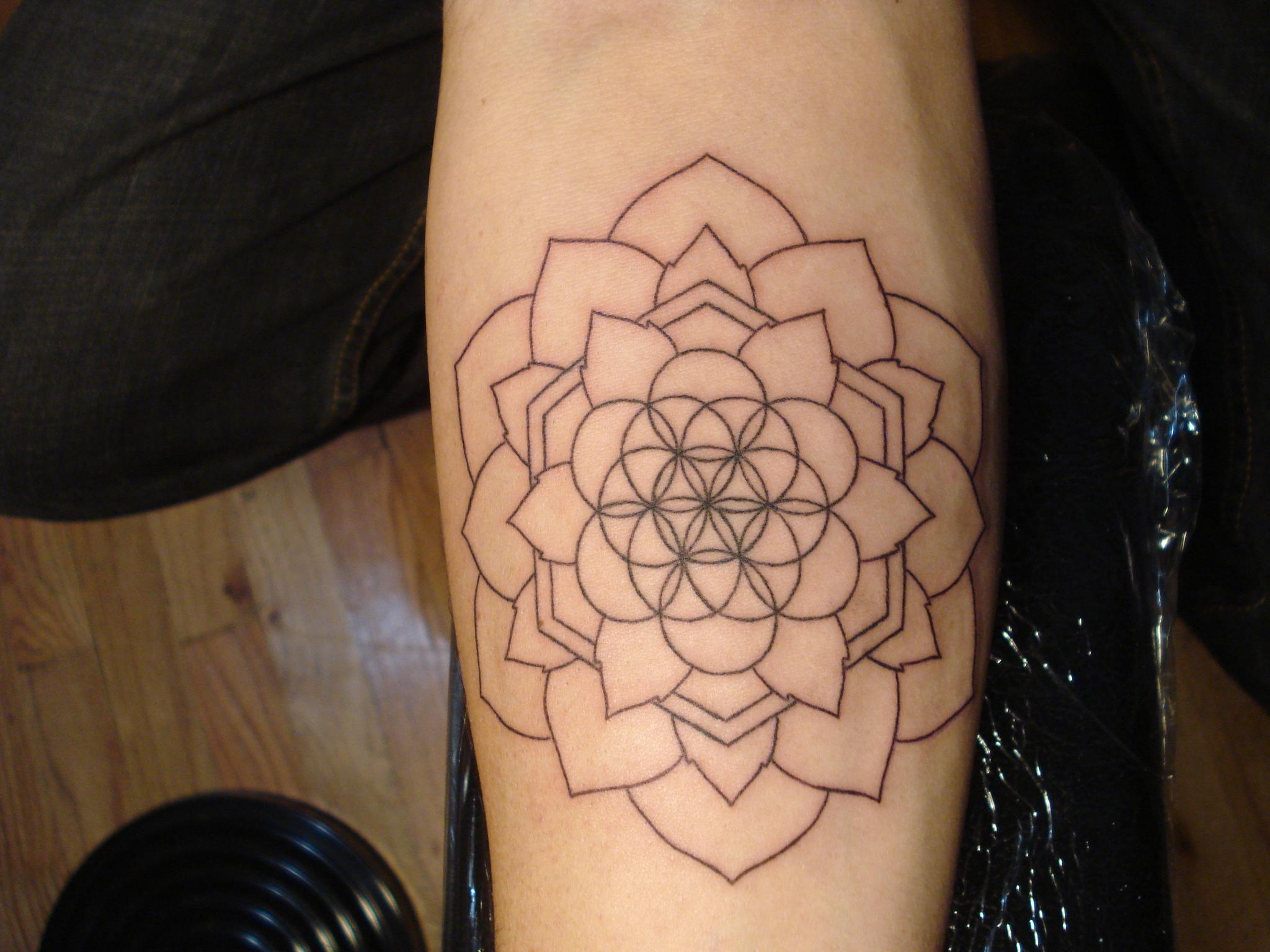 Geometric Flower Tattoo: Tattoo Inspiration Gallery